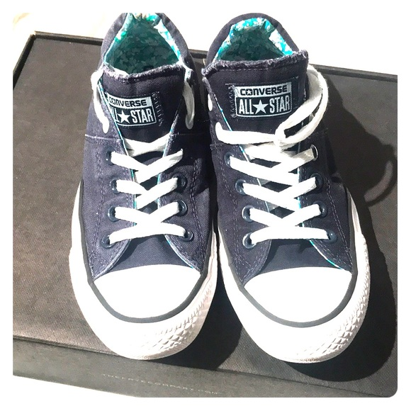 24cba8bff712 Converse Shoes - CONVERSE Classic Chucks!